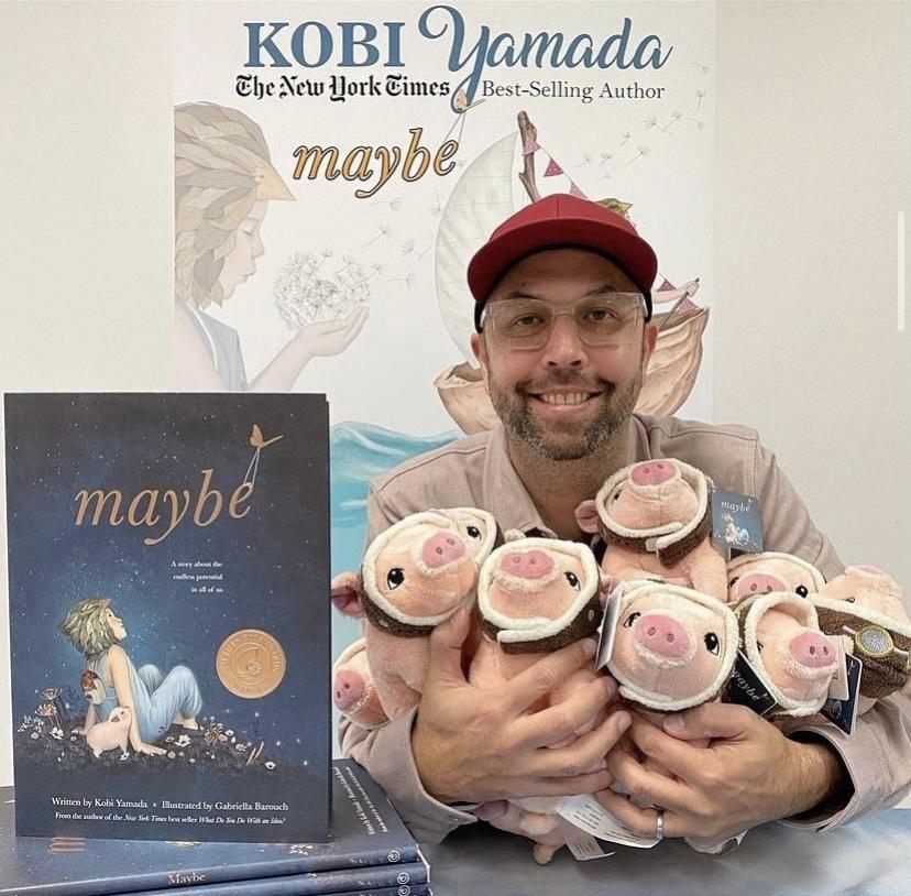 """Kobi Yamada i Gabriella Barouch w rozmowie  o  """"Może"""" z Children's Book Review."""